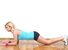 Plank-ginocchia-gomiti