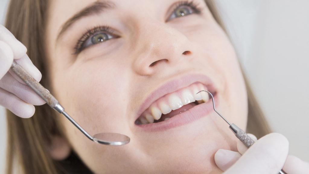Vantaggi implantologia dentale